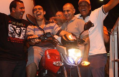 15 mil pessoas prestigiam a Festa do Trabalhador no Pirajuçara em Taboão da Serra