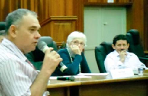 Professor Segura participa da plenária de educação em Embu das Artes